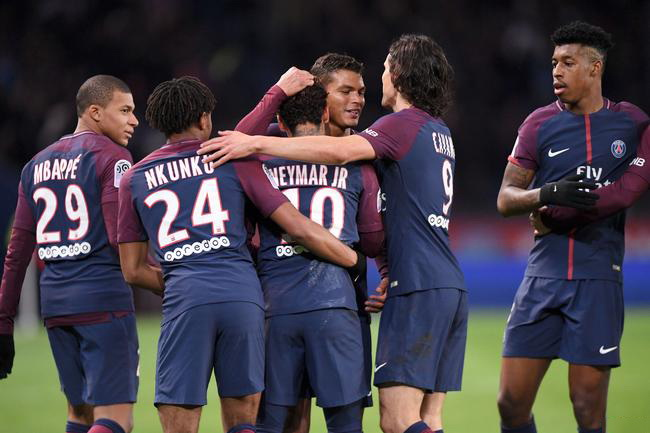Edison Cavani scorede 156 mål for at indhente Paris Saint-germain PSG Team Record